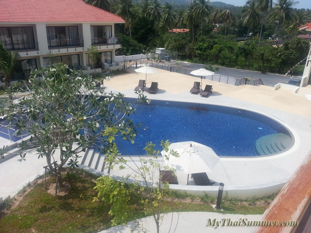 2 bedroom townhouse with common swimming pool  in 850 meters to Choeng Mon beach (house 23)