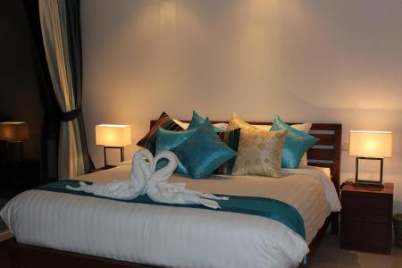 Luxurious 3 bedroom villa, located in 500 meters to Choeng  Mon beach (4)