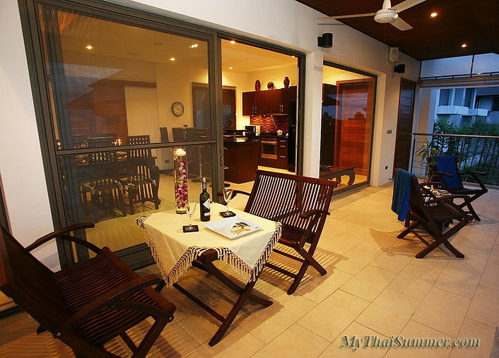 Luxurious 5 bedroom villa, located in 500 meters to Choeng  Mon beach (4 bedroom option)