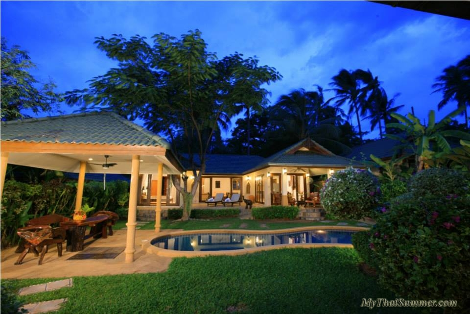 Spacious 3 bedroom  villa in 100 meters from the beach