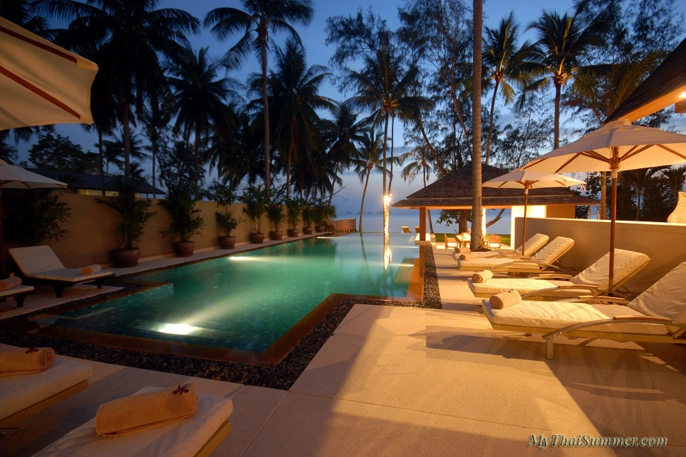 Luxury 4 bedroom villa, located on Lipa Noi beach