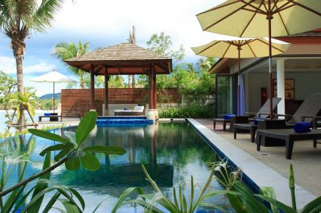 Luxury 4 bedroom villa, located on Bophut beach