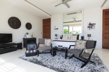Luxury 6 bedroom  villa, located on Chaweng Yai beach (4 bedrooms occupancy)