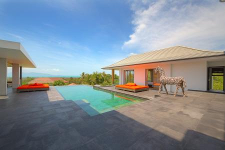 Beautiful 4 bedroom  sea view villa with private swimming pool