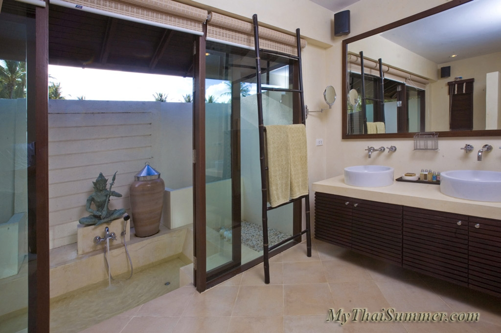 2 bedroom villa, located in a luxurious villa compound in 350 meters to Bangrak beach