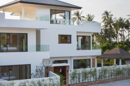 Stunning brand-new contemporary 6 bedroom residence
