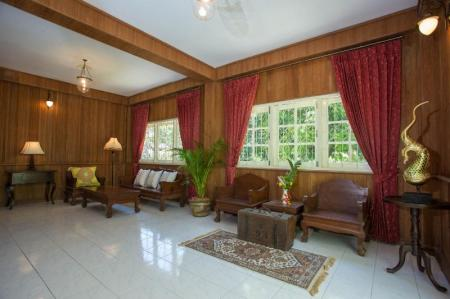 4 bedroom colonial style villa, located in 400 meters to the sea