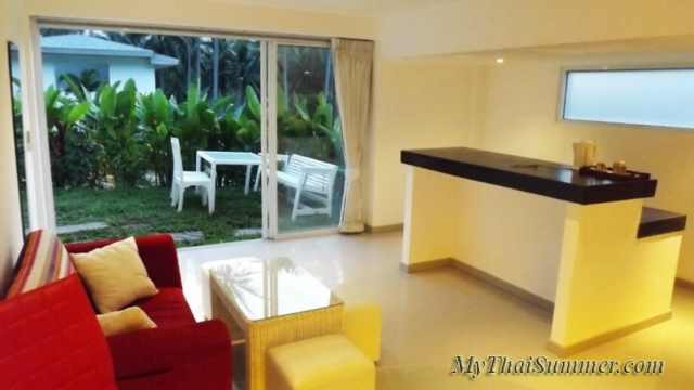 3 bedroom villa + 1 bedroom apartment with private swimming pool, located in Lamai