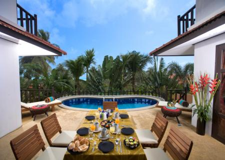 3 bedroom luxury villa with private swimming pool, located in 800 meters to the beach