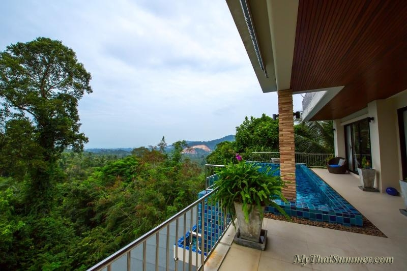 4  bedroom seaview villa with private swimming pool, located on Maenam hills