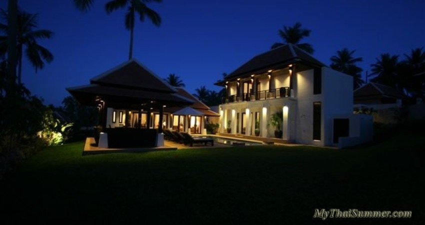 2 bedroom tropical  villa with private swimming pool, located in 350 meters to Bangrak beach