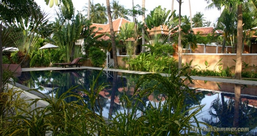 3 bedroom villa with common swimming pool, situated in Choeng Mon