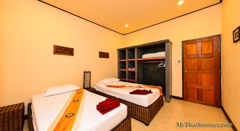 3 bedroom house with private swimming pool, located on Lamai beach