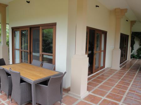 3  bedroom villa in walking distance to Choeng Mon beach (4)