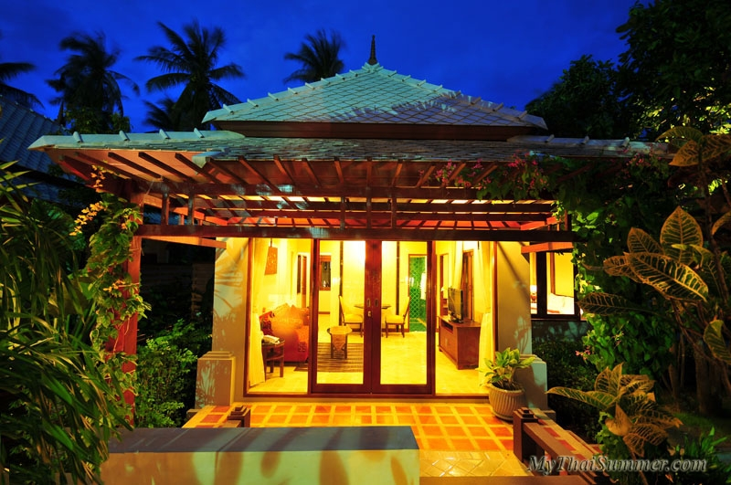 Deluxe 1 bedroom garden villa with common swimming pool