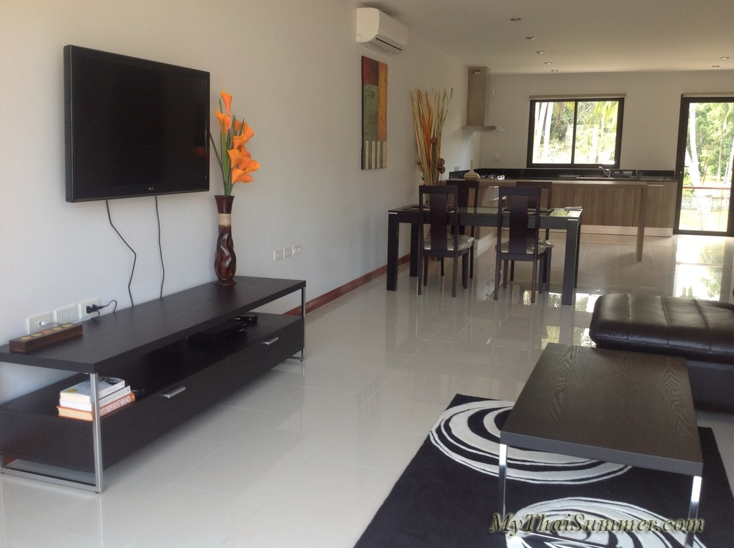 2 bedroom townhouse with common swimming pool  in 850 meters to Choeng Mon beach (house 8)