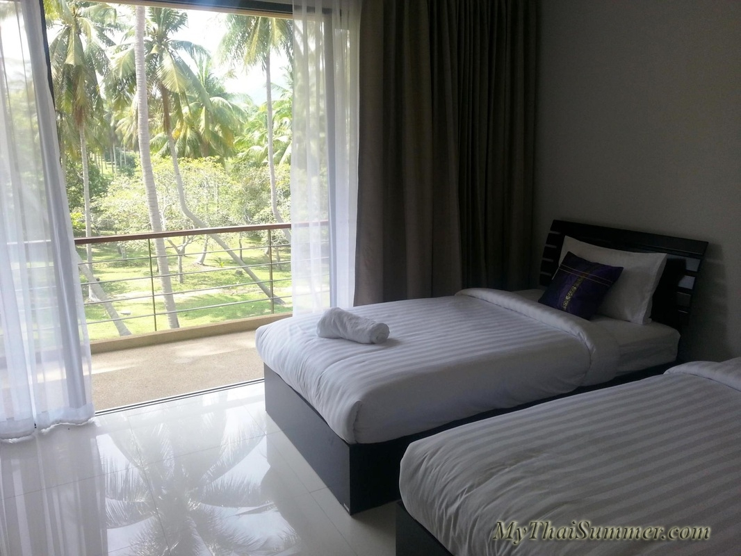 2 bedroom townhouse with common swimming pool  in 850 meters to Choeng Mon beach (house 14)